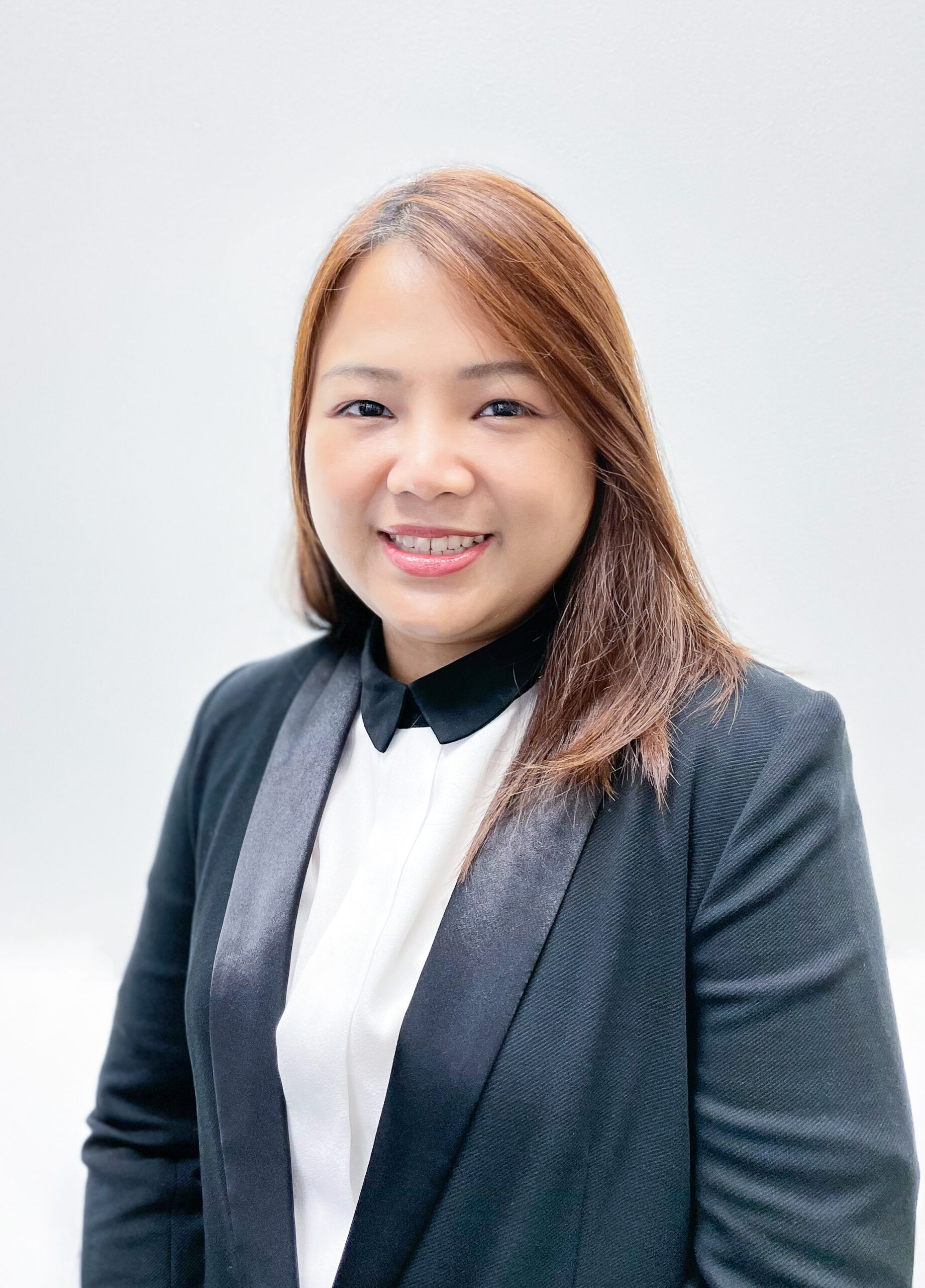 Sales and Marketing Recruitment Consultant Thassamon Keawudon